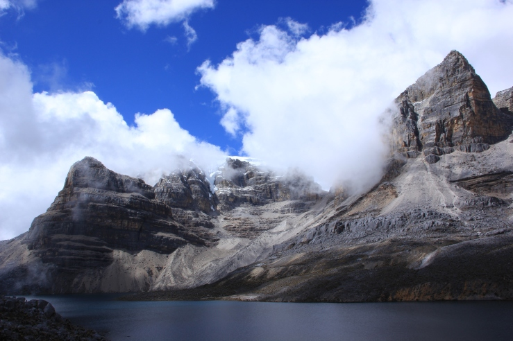 """Laguna de la Plaza - """"the most beautiful lake in South America"""", according to its own sign."""
