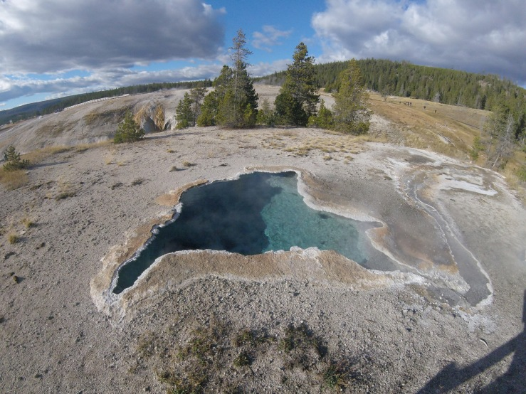 yellowstone-thermal-pool