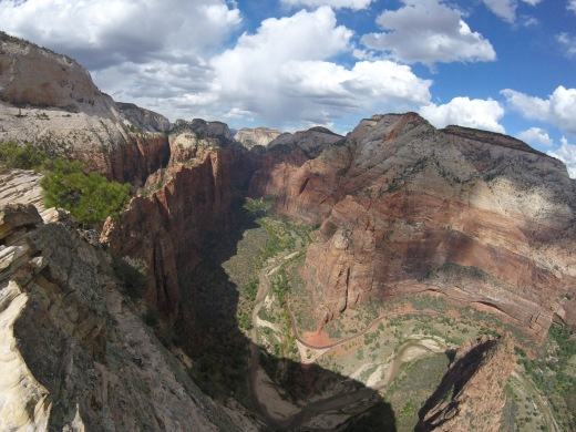 zion-national-park-river-view-angels-landing